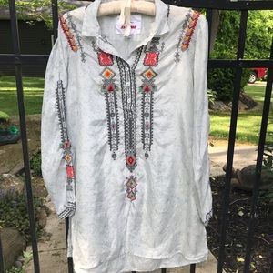 Johnny Was long sleeved blouse w/Aztec embroidery